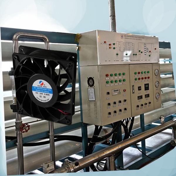 92*92*38双滚珠轴承增压散热风扇,45000小时超长寿命,可选dc12v,24v